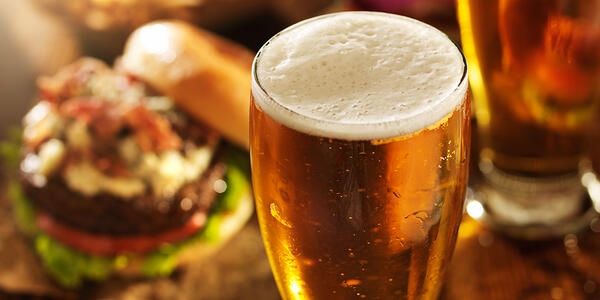 Kelowna Pub Tips: How to Pair Beer with Food Like a Pro